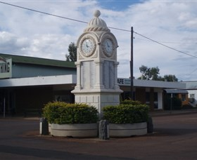 Barcaldine War Memorial Clock - Byron Bay Accommodations