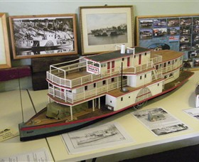 Wentworth Model Paddlesteamer Display - Byron Bay Accommodations