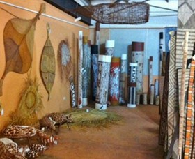 Maningrida Arts and Culture - Byron Bay Accommodations