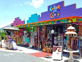 Colour Me Crazy - Byron Bay Accommodations