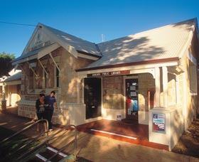 Dongara Heritage Walk - Byron Bay Accommodations
