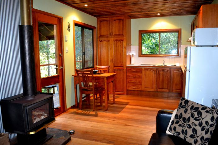 Waterfall Hideout-Rainforest Cabin for Couples - Byron Bay Accommodations