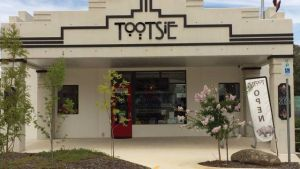 Tootsie Fine Art and Design - Byron Bay Accommodation