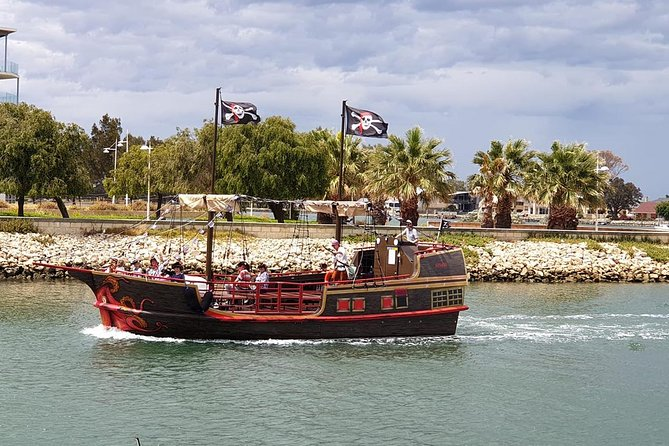 The Pirate Cruise - Byron Bay Accommodations