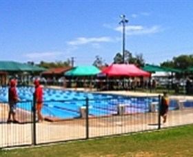 Charleville Swimming Pool