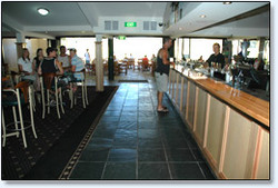 Bateau Bay Hotel - Byron Bay Accommodations
