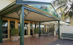 Villawood Hotel - Byron Bay Accommodations