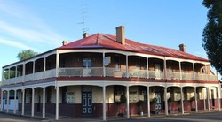Brookton Club Hotel - Byron Bay Accommodations