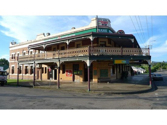 Bank Hotel Dungog - Byron Bay Accommodations