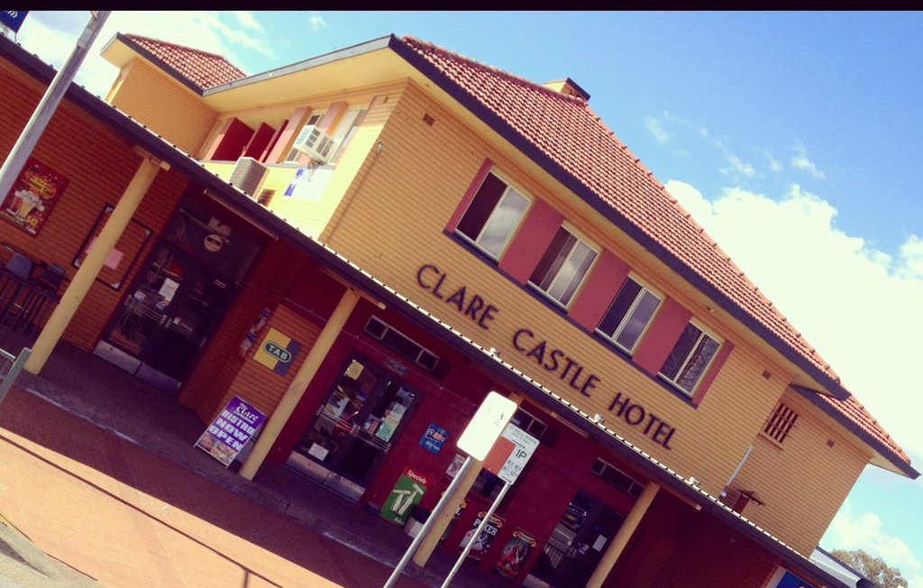 Clare Castle Hotel - Byron Bay Accommodations