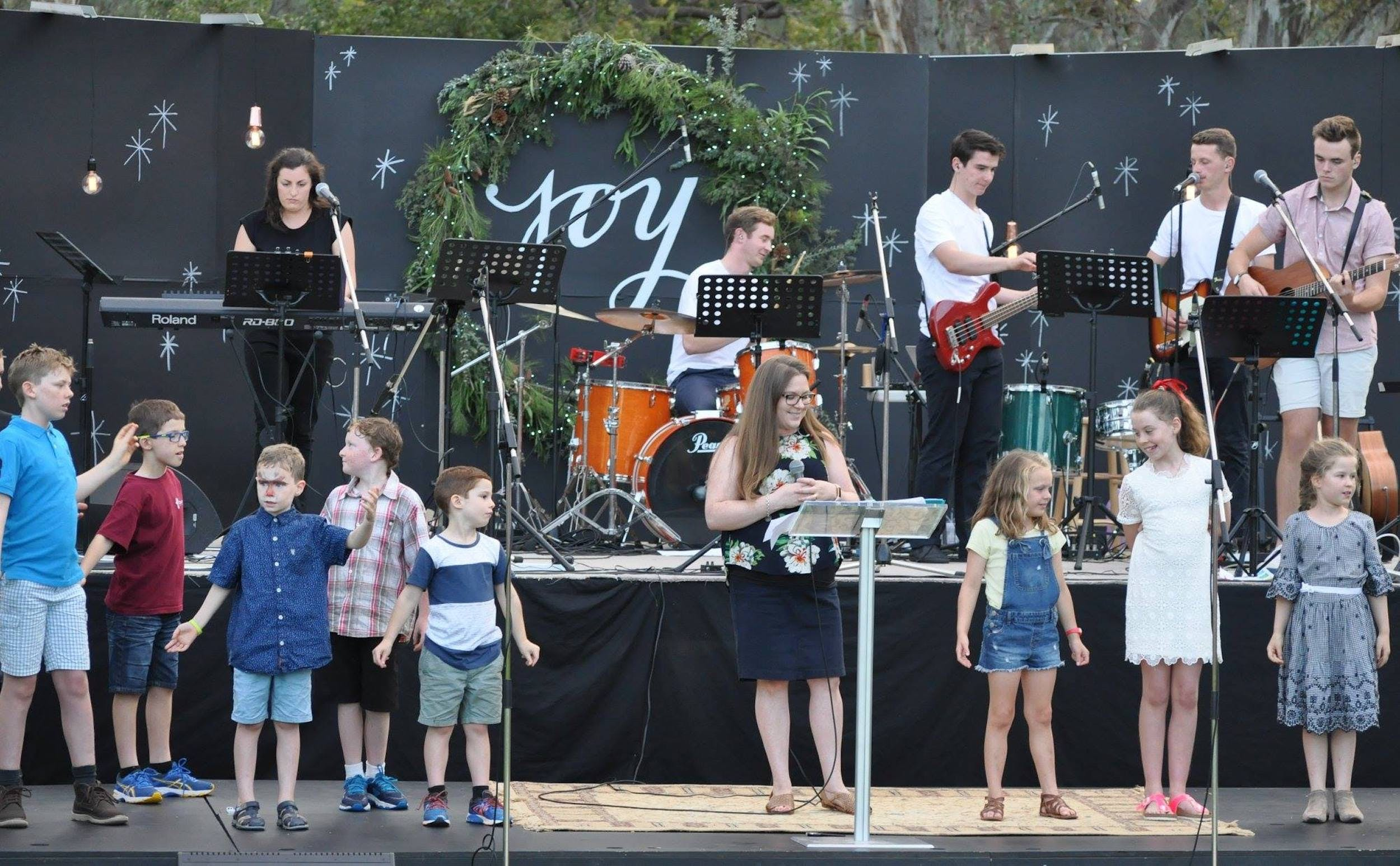 Carols in the Park Corowa - Byron Bay Accommodations