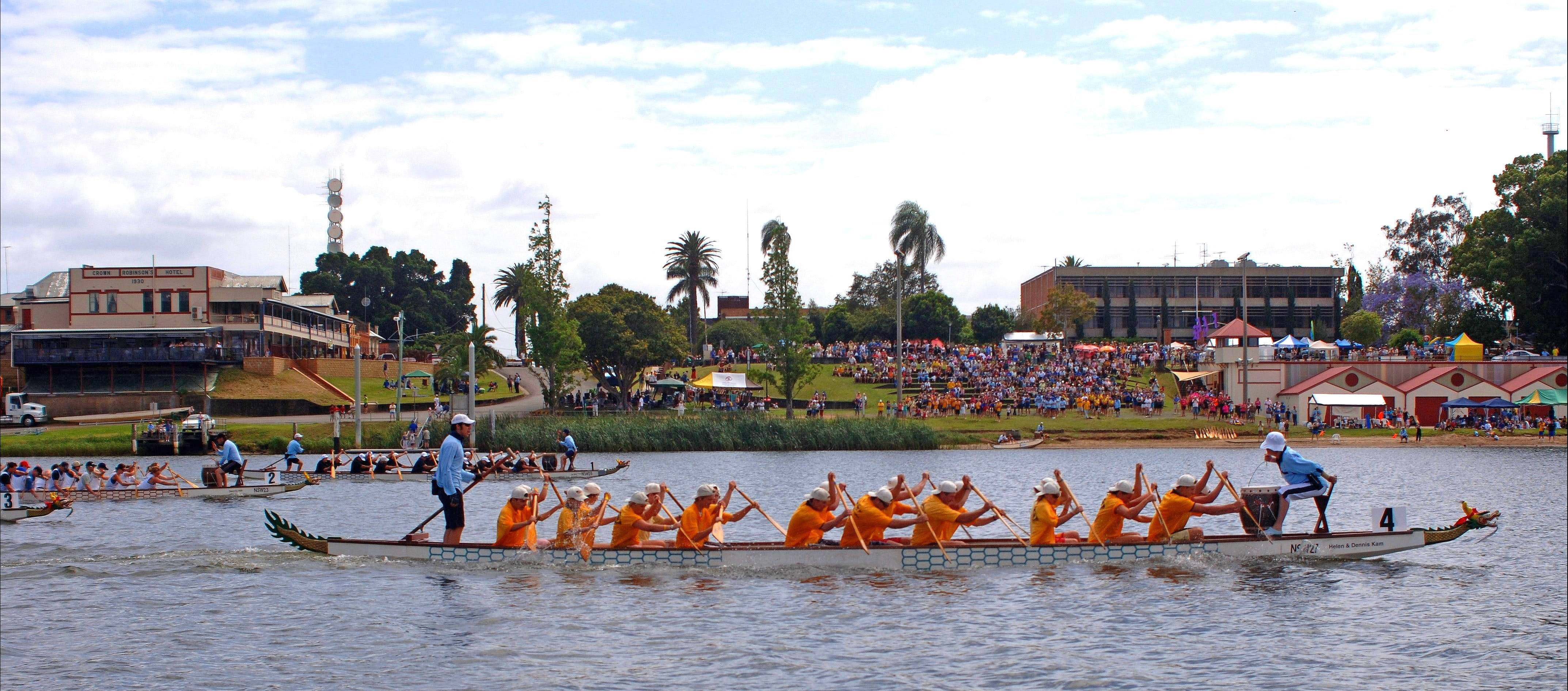 Jacaranda Dragon Boat Races - Byron Bay Accommodations