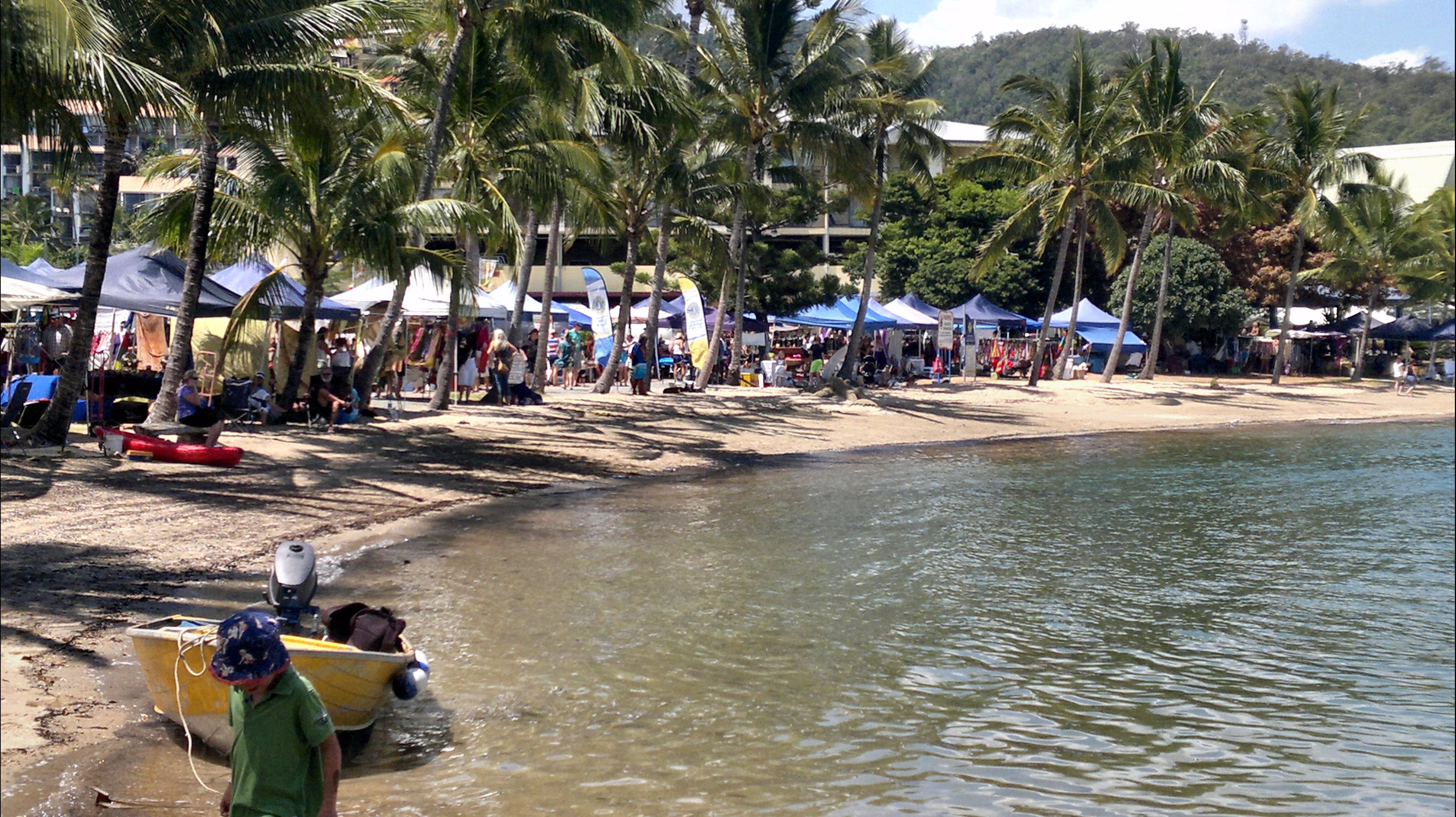 Lions Airlie Beach Community Markets - Byron Bay Accommodations