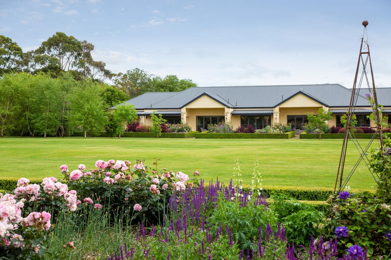 The Barn Accommodation - Byron Bay Accommodations