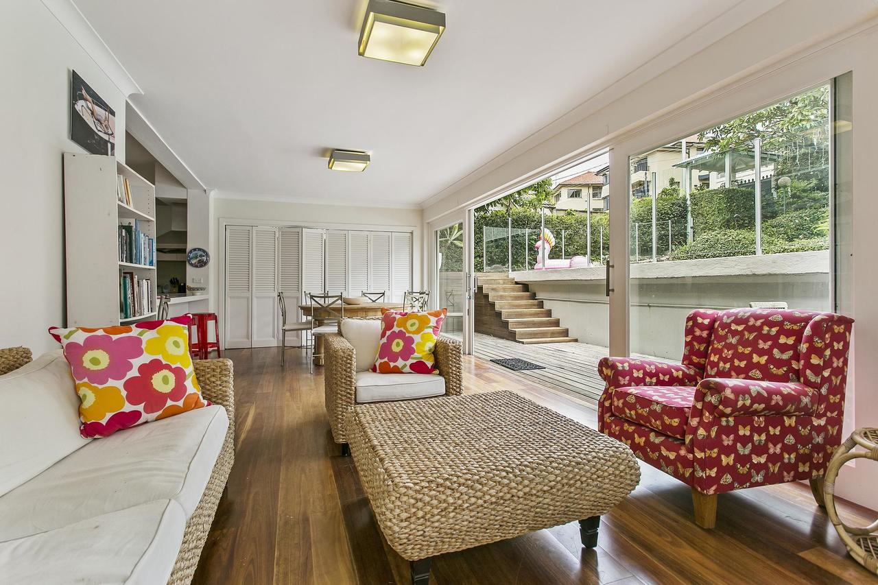 Summery spacious 4 bed home in Kurraba Point - Byron Bay Accommodations