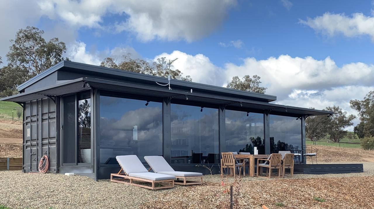 Belisi Farmstay Cottage - Byron Bay Accommodations