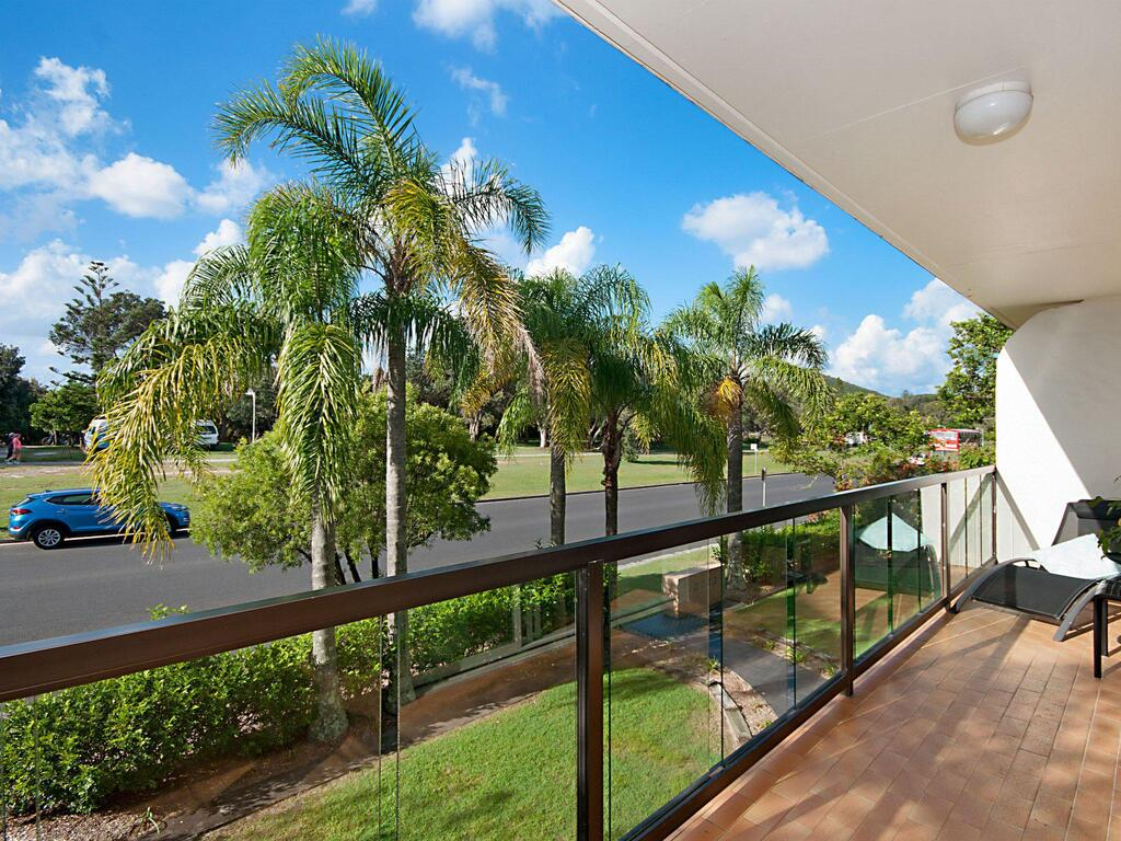 EAST COAST ESCAPES - Byron Beachfront - Byron Bay Accommodation