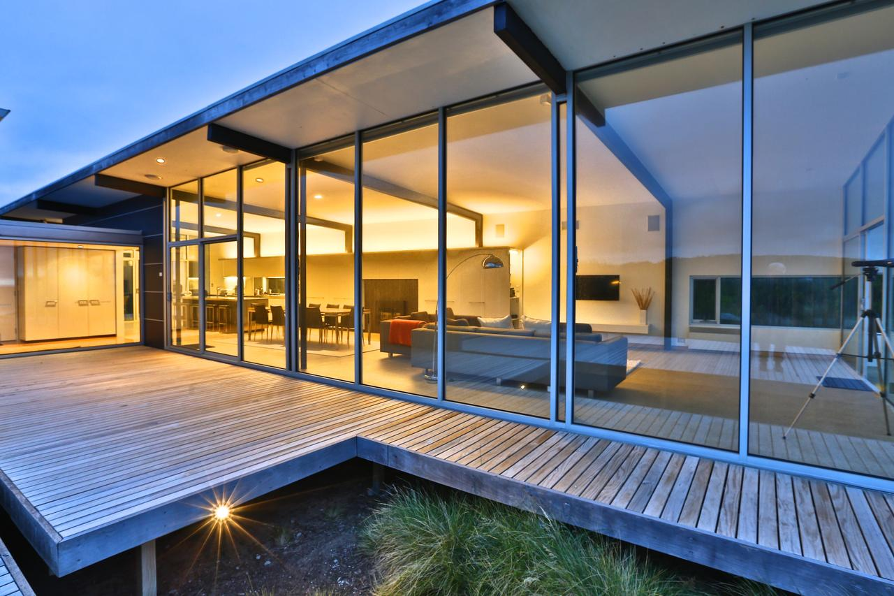 Cloudy Bay Beach House - Byron Bay Accommodations
