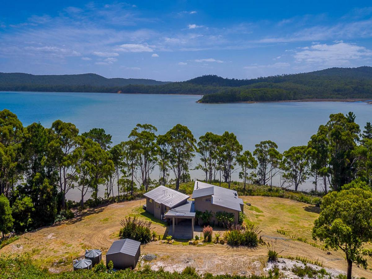 Cloudy Bay Lagoon Estate - Byron Bay Accommodations