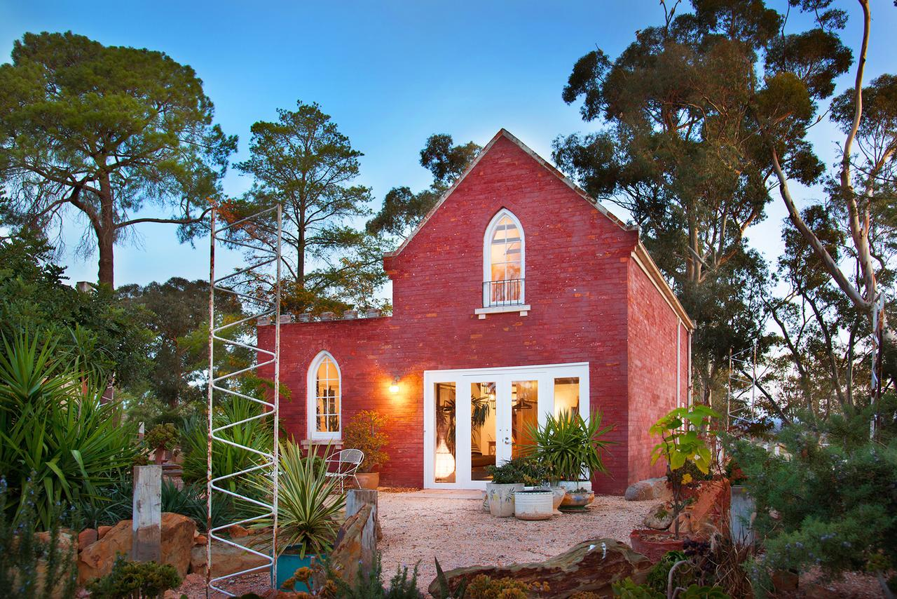 bebe castlemaine - Byron Bay Accommodations